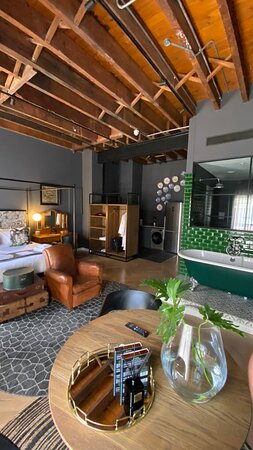 A great place in a convenient location close to all the main points of Cape Town.