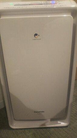 Panasonic製加湿空気清浄器あり。