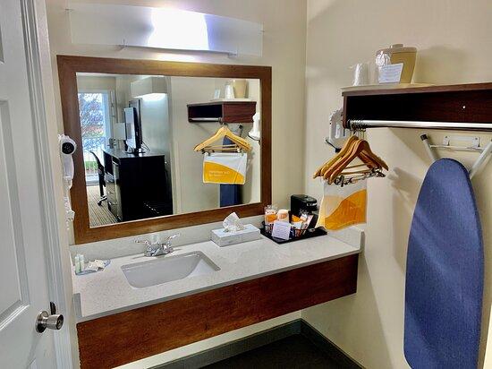 Seneca, Carolina del Sur: Bathroom / Vanity Area