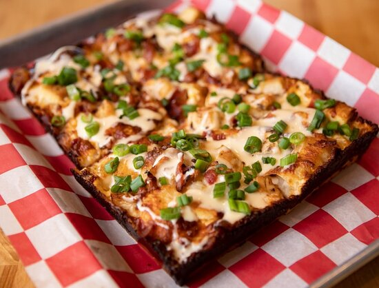 Taphouse Pizza Grilled chicken, bacon, green onion, beer cheese sauce