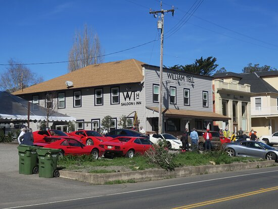 Tomales, CA: They always welcome our car club!