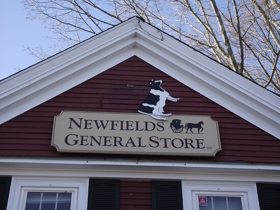 Newfields, New Hampshire: NH - NEWFIELDS - COUNTRY STORE - SIGN ON BUILDING 