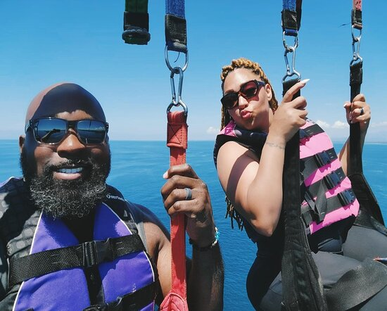 Beach Parasailing with Aguas Azules: It's Beautiful Up Here!!