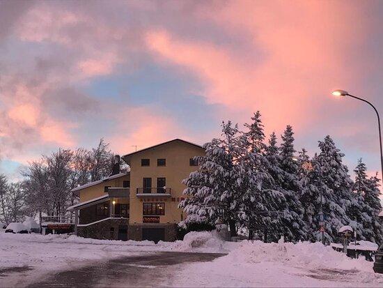 Schia, Itália: L'Hosteria e la neve connubio perfetto