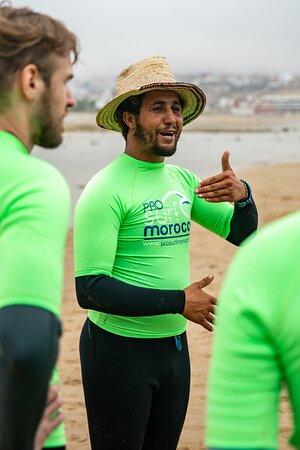 Surf lessons - Pro Surf Morocco - Surf & yoga camp