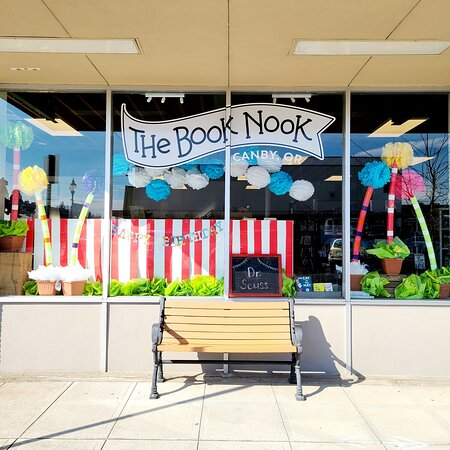 Canby, Oregon: The Book Nook has books, games, gifts, and souvenirs.