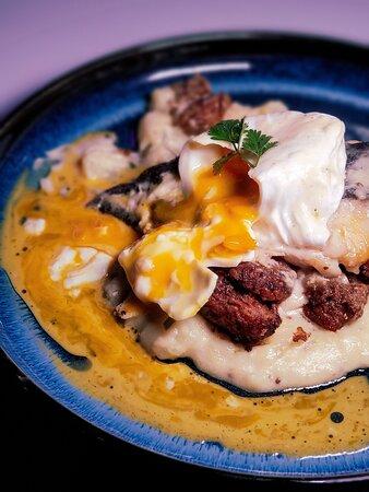 班尼迪蛋銀鱈魚·白酒芥末汁·香蔥薯泥