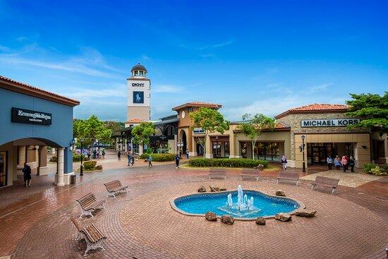 Johor Bahru, Malaysia: outlet shopping mall in Johor baru