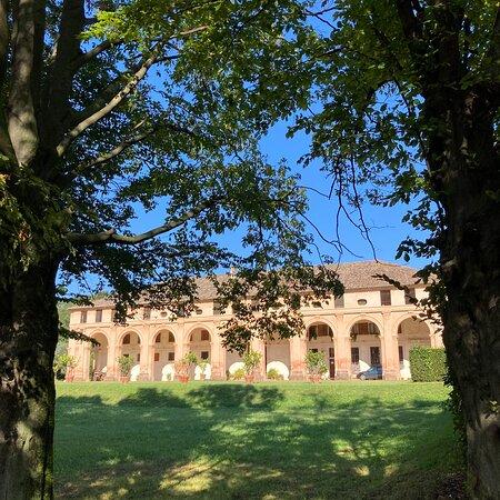 Volpago del Montello, Ιταλία: Barchessa Loredan è stata costruita alla fine del '400 e poi ampliata nel '700. Oggi al suo interno sorge l'omonima cantina.