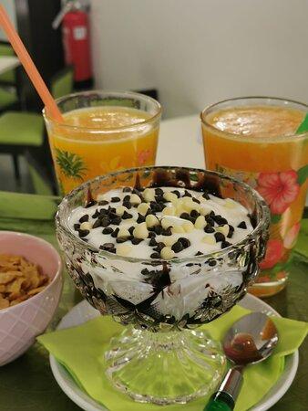 Yogurt al cioccolato e spremuta, bar natura paradiso castelfranco veneto