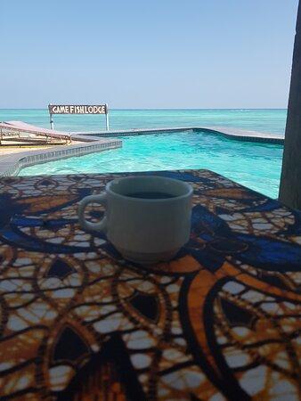 Утренний кофе с видом на океан