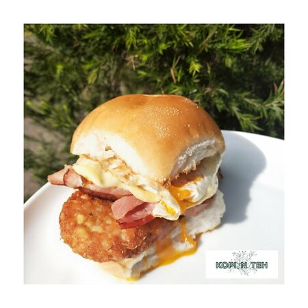 Deluxe Bacon & Egg Roll