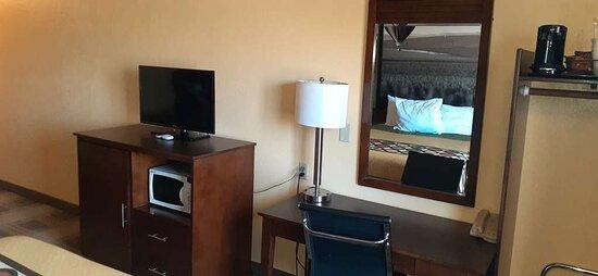 Double Queen Guest Room Amenities
