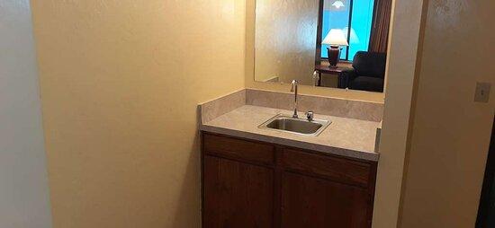 Sink in the suitearea
