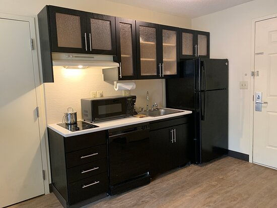 ADA Fully equipped kitchen
