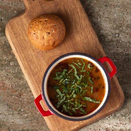 Суп харчо в Saperavi Cafe