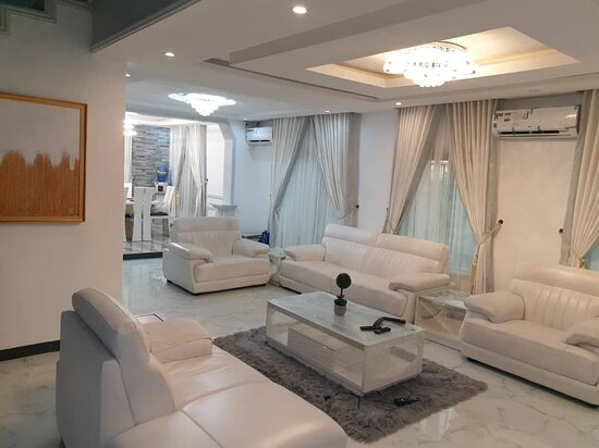 It's a 5 start shortlet apartment in lekki lagos