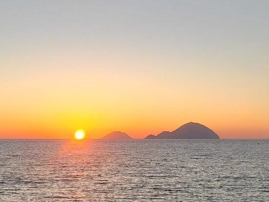 Islas Eolias, Italia: Filicudi . Tramonto emozionante