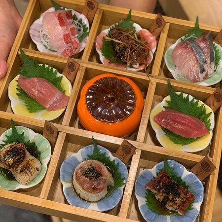 Phuket Town, Thailand: Edo premium box กล่องสุ่มพรีเมี่ยม เชฟจะรังสรรค์ให้คุณแบบสุดพิเ
