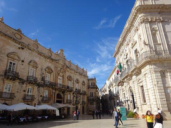 Syrakus, Italien: Piazza Duomo in Ortigia - Siracusa, Sicily