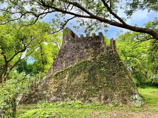 建於1980年代初、彷照河南登封縣告城鎮的古代天文觀影台而建的觀星台。