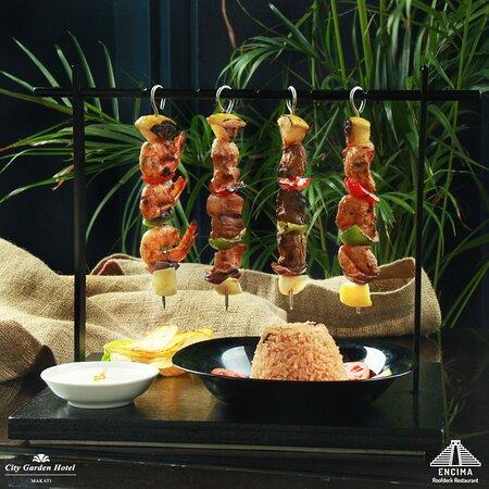 Must try this Encima Favorite! Kebab Brochettas Parilla, choice of Shrimp, Pork, Beef and Chicken. 😋