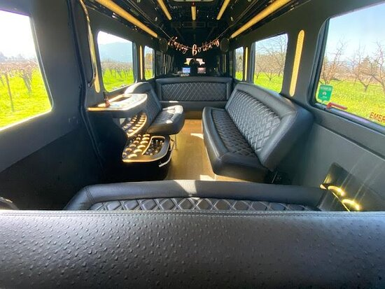 A Limo Excursion & Wine Tours