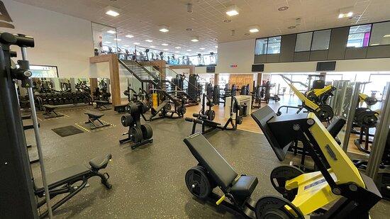 Zona fitness gimnasio Bfit Ibiza Sports Club