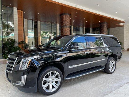 Waikiki, Havaí: Luxury Black Escalade