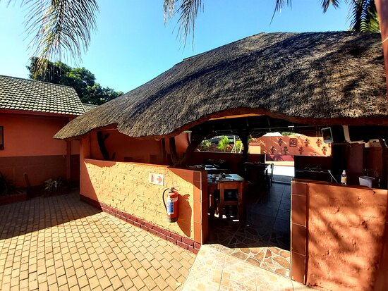 Phalaborwa, South Africa: Dining area where breakfast, lunch (if recommended) and dinner is served.