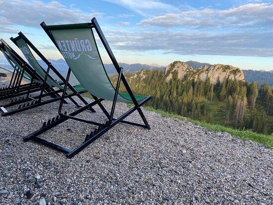 Rettenberg, Niemcy: Liegestuhl - relaxen auf der Grüntenhütte