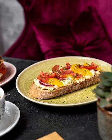 Egg spread toast