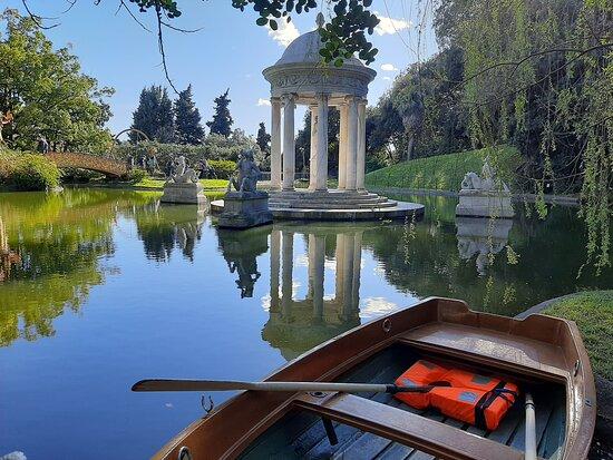 Sin colas: entrada a Villa Durazzo Pallavicini: lago grande e tempio di diana