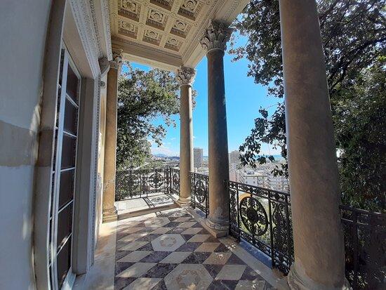 Sin colas: entrada a Villa Durazzo Pallavicini: coffee house