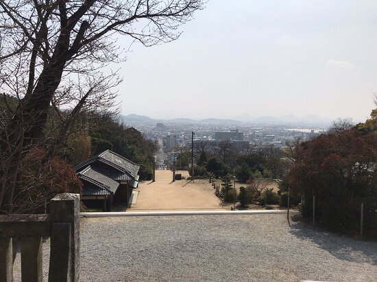神門から来た参道を見ました。