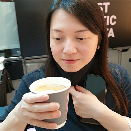 Ella Singapore 1st Robot Barista Built With Intel Tech Named After Crown Coffee CEO Keith Tan Wife!  #ella #singapore #robot #barista #intel #tech #crown #coffee #ceo #keith #plazasingapura #tastetest #niceornot #flatwhite #ai #future