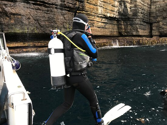 A Giant Stride entry for the open water dive assessment at Waterfall Bay