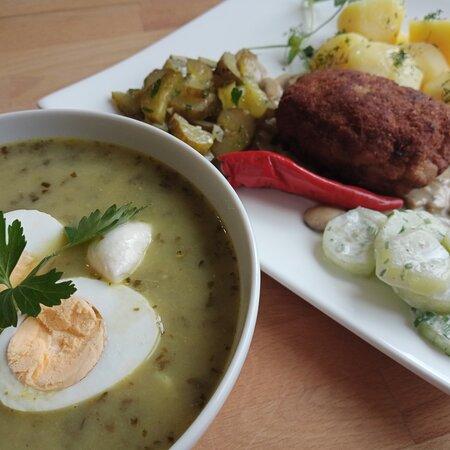 Zupa szczawiowa i Kotlet mielony z karkówki w sosie własnym z pieczarkami ♥️