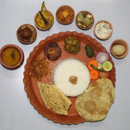 Veg Thali with 16 items Rs.150/- in Clay Pot Packing