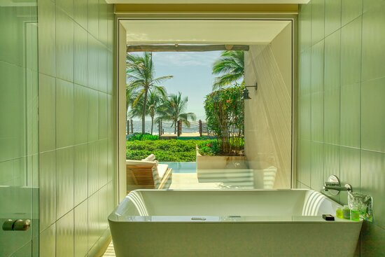 Haven Suite Bathtub