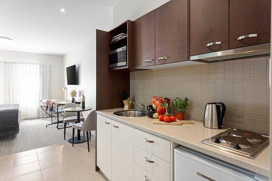 Quest Echuca Studio Apartment Kitchen