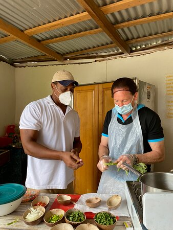 WAH GWAAN Culinary, Culture & Dance Tour - Bloggers Island Xperience Tour: Cooking with the chef.