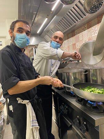 Brusimpiano, Italy: Lo staff di cucina