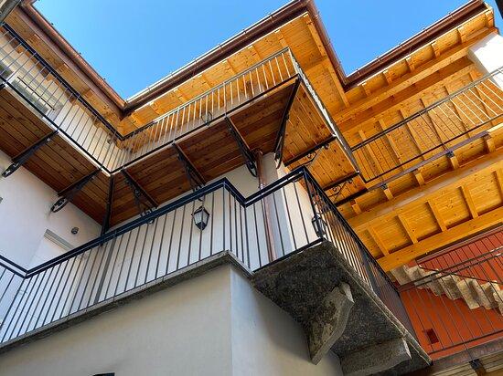 Brusimpiano, Italy: Il sovrastante B&B