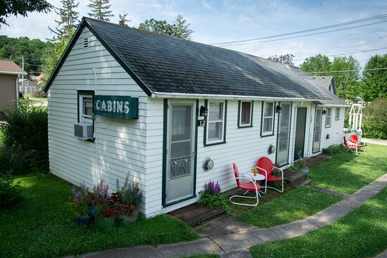 Historic Knotty Pine Cabins
