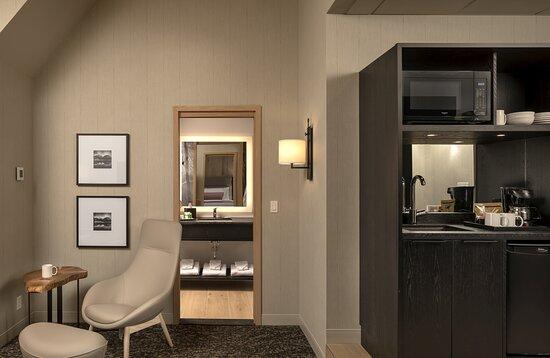 Summit One Bedroom Suite One King