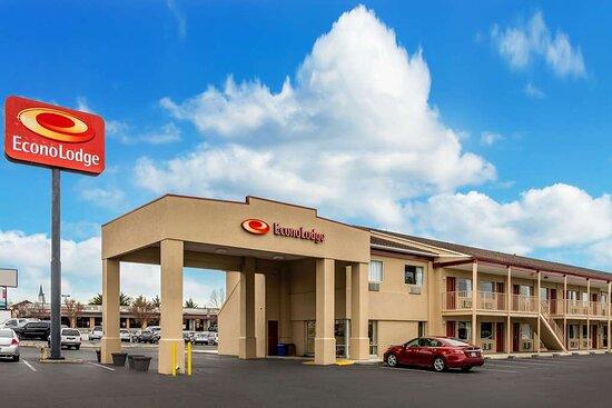 Econo Lodge East, Hotels in Staunton