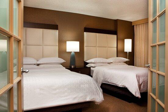 Double/ Double Suite - Bedroom