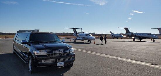 Private Airport Transportation Service - FBO Airport Tranportation  and all Hartsfield Atlanta International Airport ATL Limo Service Atlanta, Car Service In Atlanta