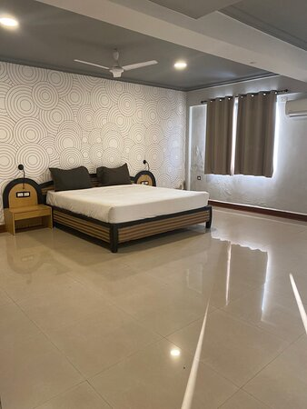 Premium Room, this room is very spacious, total size of the room is 204 Sqfts.